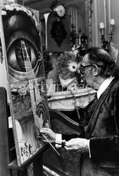 Dali working in his Studio 1904-1989