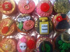 chic cup cakes for a young trendy woman