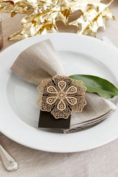 Styled Sealed Delivered — Christmas place setting | table decoration | gold | snowflake design