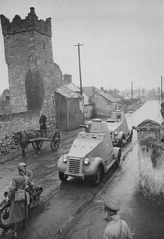 Irish forces protect their shores whilst remaining neutral during World War Two; armored home guard cars in action, Ireland, circa Pin by Paolo Marzioli Army Vehicles, Armored Vehicles, Europe Eu, Home Guard, Free State, Military History, Military Aircraft, World War Two, Dublin