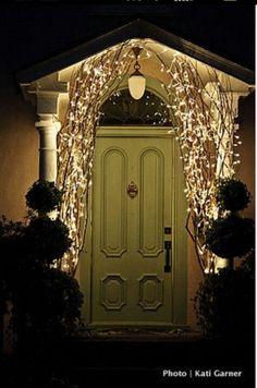 Needs a lovely wreath!!!