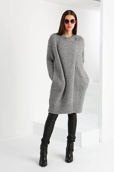 Cute Sweater Outfits For Women Cute Sweaters, Long Sweaters, Winter Fashion Outfits, Stylish Outfits, Cute Sweater Outfits, Winter Wear, Knit Dress, Knitwear, Fashion Clothes