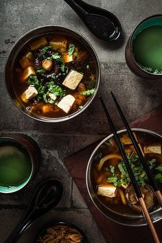 This is how easy Miso Soup is. A quick and easy recipe for beginners and lovers of the traditional japanese miso soup