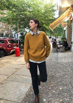 Dieser kuschelige, extrem flauschige Pullover aus Baby Alpakawolle ist das Schönste, was Du Dir zur kalten Jahreszeit gönnen… Handgestrickte Pullover, Beanie, Baby, Men Sweater, Winter, Sweaters, Fashion, Fluffy Sweater, Clothing