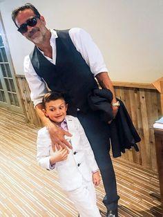 Jeffrey Dean Morgan and his son Gus at a Burton family wedding in 2017  = @hilarieburton #thewalkingdead #twd #thewalkingdeadseason7