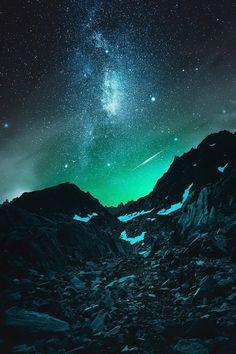 Mystical - Wind River Mountain Range Galaxies, Nebulas, Sky Full Of Stars, Stars At Night, Beautiful Sky, Beautiful World, Mountain Range, Sky Mountain, Luxury Travel
