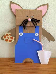 """If You Give A Mouse A Cookie"" by Laura Numeroff. Paper bag mouse craft activity. How cute would it be to have students write their own ""circular stories"" on a page that could be slid in and out of the bottom of the bag!"