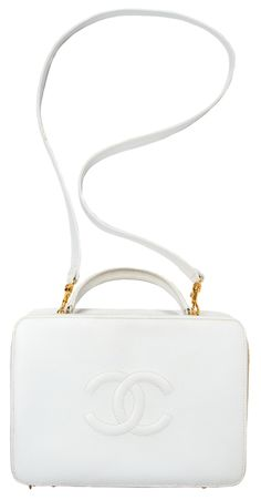 Elegant and minimalistic Chanel handbag.