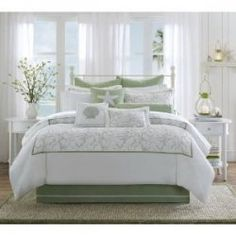 Decorating a beach themed bedroom starting with beach bedding. Several decorating ideas included.