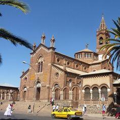 La cattedrale di San Giuseppe è in stile romanico lombardo, con i caratteristici mattoni a vista nella città di #Asmara, #Eritrea