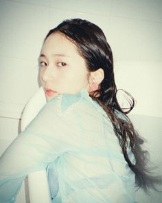 Krystal flaunts her sassy charm for 'Oh Boy! Krystal Jung, Jessica & Krystal, Jessica Jung, Dark Red Hair, Hair Color Dark, Sulli, Ice Princess, Character Aesthetic, Korean Girl Groups