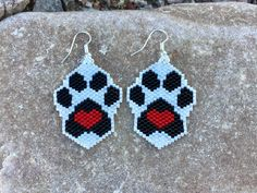 Black White and Red Puppy Love Heart Peyote Beaded Earrings by DoubleACreations on Etsy Peyote Beading, Seed Bead Earrings, Etsy Earrings, Crochet Earrings, Seed Beads, Native Beading Patterns, Beaded Earrings Patterns, Black