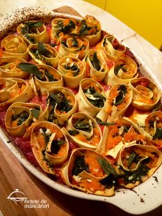 Rotolo de paste cu dovleac și spanac Paste, Vegetable Pizza, Vegetables, Food, Essen, Vegetable Recipes, Meals, Yemek, Veggies