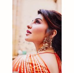 Today our Topic is about the Jacqueline Fernandez Biography. Indian Bollywood Actors, Bollywood Girls, Bollywood Stars, Bollywood Actress, Indian Actresses, Beautiful Indian Actress, Beautiful Actresses, Pakistani Bridal Hairstyles, Jacquline Fernandez
