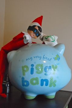 Inappropriate Elf on a Shelf (36 pics)
