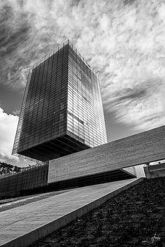 MADRID | EDIFICIO CASTELAR | Rafael de la Hoz + Gerardo Olivares
