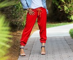 Blog post: The not so sporty look.   #trend #style #ankle cuff #heels #jogger pants