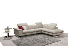 Kennedy is a beautiful modern Italian couch. Its gorgeous design will accentuate your home's decor. You will find great pleasure in spending time relaxing..