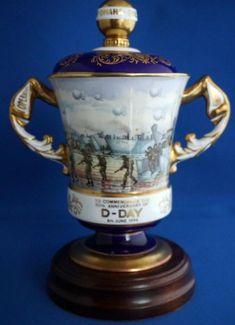 Aynsley D Day Commemorative Lidded Porcelain Vase Limited Edition Or Antique, Antique Items, D Day, Porcelain Vase, Ww2, Mugs, Antiques, Antiquities, Antique