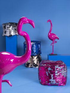 Pouf Disco Queen Bleu Et Argent Kare Design - Taille : 1 Place Kare Design, Disco Queen, Fuchsia, Furniture Companies, Soft Furnishings, Accent Decor, Glamour, Interior Design, 1 Place