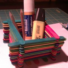 ¿Sabrías hacer un portalápiz con palos de polo? Te ayudamos:   http://artes.uncomo.com/articulo/como-hacer-un-portalapiz-con-palos-de-polo-1033.html