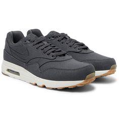 new arrival 2d611 b4912 Men s Designer Sneakers