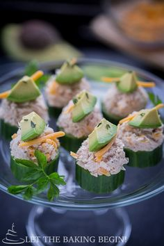 Fresh and crunchy Cucumber Tuna Cups by Letthebakingbeginblog.com | @Letthebakingbgn