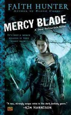 Caught in the war between werewolves and vampires, Jane Yellowrock, a shape-shifting skinwalker and vampire killer for hire, is rescued by a mysterious stranger who claims to be a Mercy Blade - a sacr
