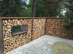 Privacy screen Whilst early inside concept, your pergola is having somewhat of a contemporary rebirth Privacy Landscaping, Outdoor Privacy, Backyard Privacy, Outdoor Sheds, Outdoor Gardens, Outdoor Decor, Backyard Patio, Garden Pool, Terrace Garden