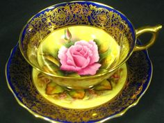Love the colors and the flower in the center.  Great for tea!