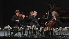 Johannes Brahms: Piano Trio in B major – Marc-André Hamelin, Joshua Bell, Steven Isserlis