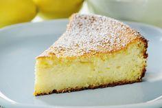 Bitter almond cake with orange cream DUKAN Orange Creme, Custard Cake, Dukan Diet, Brownie Cake, Almond Cakes, I Foods, Ricotta, Sweet Tooth, Dessert Recipes