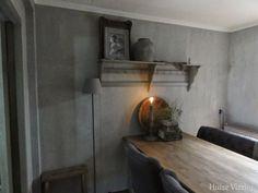 Carte Colori kalkverf beton Interior Walls, Interior Design, Living Spaces, Living Room, Stone Flooring, Minimalist Living, Cozy Living, Rustic Interiors, Grey Walls