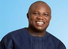 Welcome to Muoghalu Ebere Favour's Blog: Gov.Ambode rewards two honest Police Officers with...