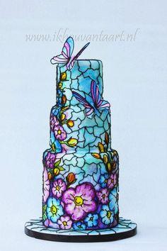 Como un vitral de flores y mariposas. Tartas originales.