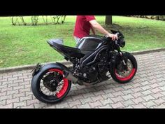 Triumph speed triple 1050 cafe racer - YouTube
