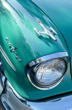 ✯ 1957 Oldsmobile 98 Starfire Convertible in aqua Shades Of Turquoise, Shades Of Blue, Turquoise Color, Teal Blue, Carros Vintage, Azul Tiffany, Tiffany Blue Rooms, Color Turquesa, Blue Aesthetic