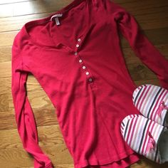"""PLEASE BUNDLEVictoria's Secret thermal top LOW PRICE BUNDLE ITEM -- please bundle with at least one other item in my closet to purchase Keep warm by the fire in this super flattering red thermal top from Victoria's Secret. Size XS. It says """"short"""" on the tag because it came with pants that are short/petite length. In pre-loved condition with lots of life left! Cotton blend. If you can't find anything else to bundle, I will sell this listing by itself for $7. Just let me know and I'll change…"""