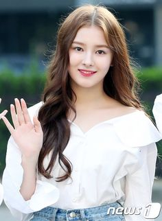 SWEET KOREAN GIRL I CALL HER LADY Nancy Jewel Mcdonie, Nancy Momoland, My Beauty, Asian Beauty, Hair Beauty, Beautiful Friend, Beautiful Morning, Korean Celebrities, Celebs