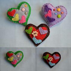 #Broche #fieltro #corazon con #mini #corazones