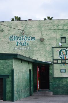 O'Hara's....I just think of my dad and his buddies on St. Patricks Day...well, more like the day after :)