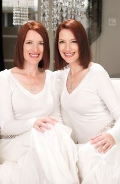 The Psychic Twins, Terry & Linda Jamison are the #1 Psychic Mediums!!