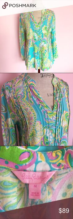 Lilly Pulitzer Sarasota Tunic Double Trouble M New without tags and authentic Lilly Pulitzer Sarasota Tunic in Shorely Blue Double Trouble. Available in a size medium. Perfect condition and very soft material. Shipping is immediate upon purchase. Lilly Pulitzer Tops Tunics