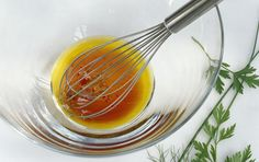 5 Minutes to an Easy Herbed Vinaigrette Salad Dressing