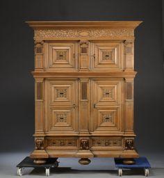Купить старинный антикварный шкаф буфет в стиле барокко массив дуба первая половина 20 века, продажа старинной мебели антикварный интернет-магазин Antekvar.ru в Москве (8)