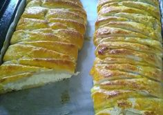 Isteni finom túrós tekercs | Anita Brunner receptje - Cookpad receptek Hot Dog Buns, Hot Dogs, Banana Bread, Biscuits, Goodies, Sweets, Recipes, Food, Diet