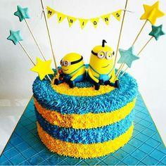 Pastel de Minions Cake