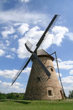 Windmill: the signature image of the early Dutch & English settlements of the hamlets out east. They are not villages, they are not towns, they are hamlets.