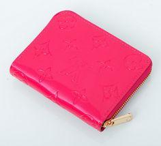 Кошелек Louis Vuitton небольшой из лакированной натуральной кожи розовый. Размер 11х9х2см #19001