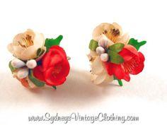 40's Vintage Flower Jewelry Earrings SydneysVintageClothing.com
